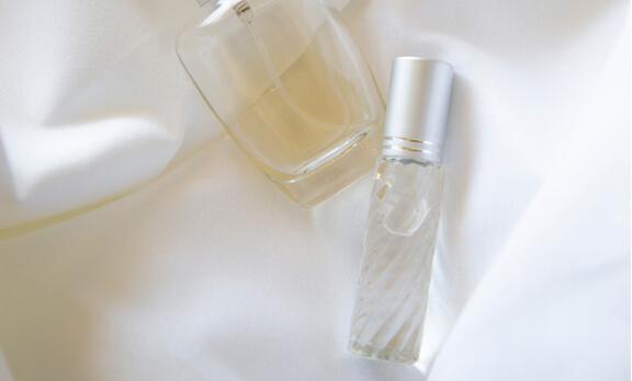 hukum wanita memakai parfum